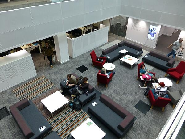 Fasilitas lounge University of Manchester