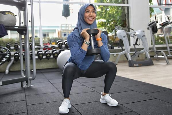 malaysian-women-who-prove-muscles-are-super-sexy-world-of-buzz-12